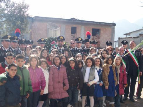 San Luca: l'Arma dei Carabinieri delle caserme di San Luca, Bianco e Locri, con i bambini sanluchesi