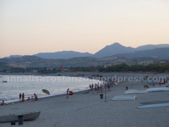 tratto di spiaggia e mare di Bovalino